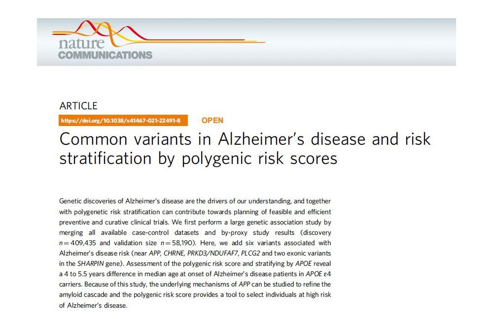 Variantes comunes en la enfermedad de Alzheimer y riesgo estratificación por puntuaciones de riesgo poligénico